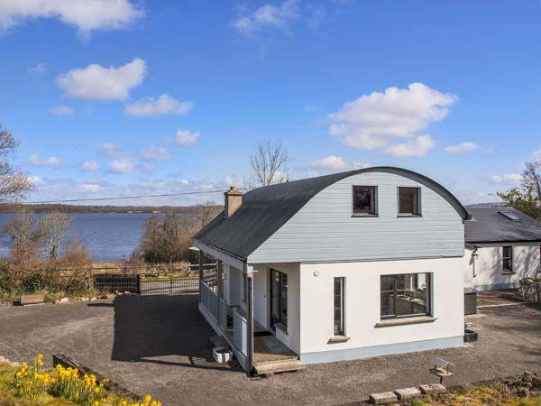 Lakeshore Cottage photo 1
